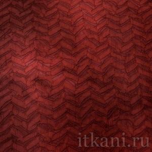 Ткань Костюмная бордовая с объемным узором (0655)