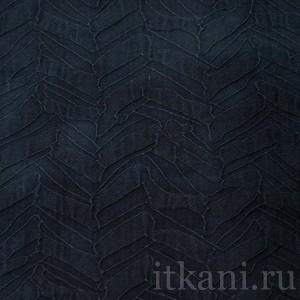 Ткань Костюмная синяя с объемным узором (0656)